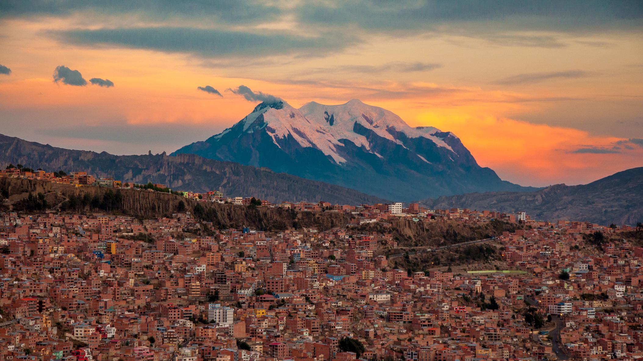 Nevado-Illimani-La-Paz-Bolivia